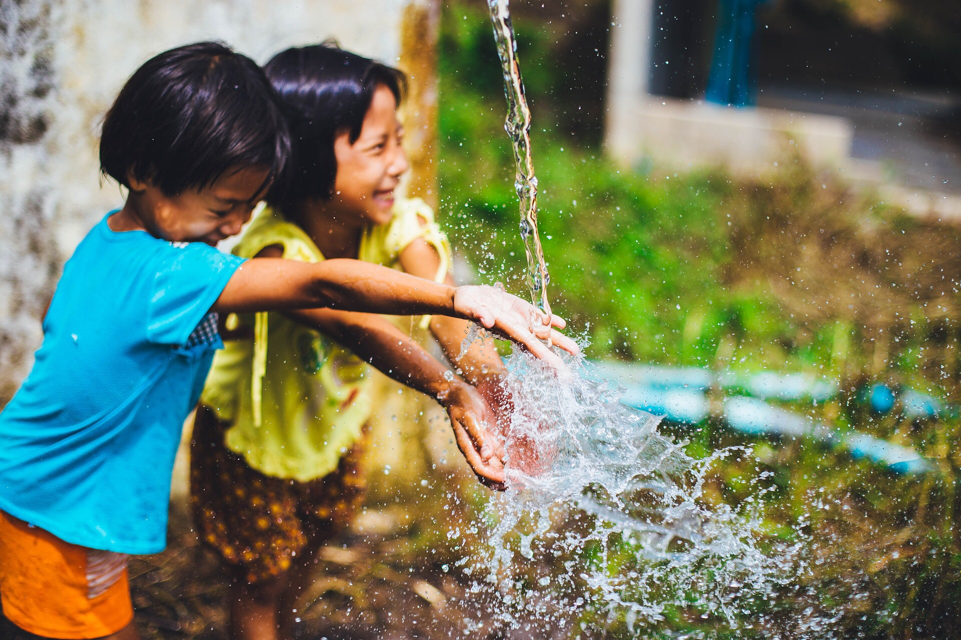 Worldwide access to clean water increases from 79% to 90% of global population