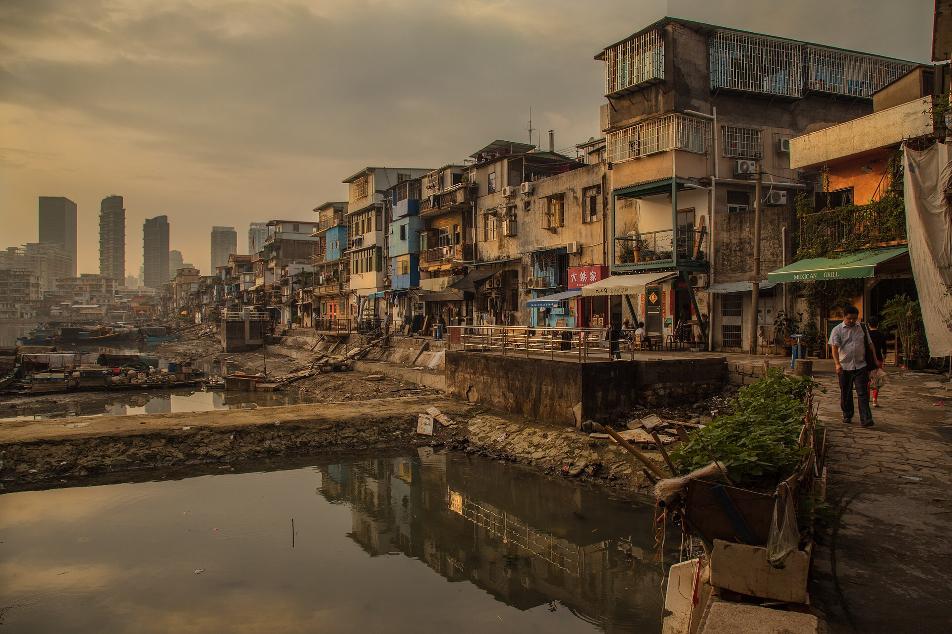 Global population in extreme poverty dropped from 95% to 10% since 1820